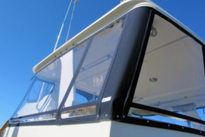 Flybridge windows